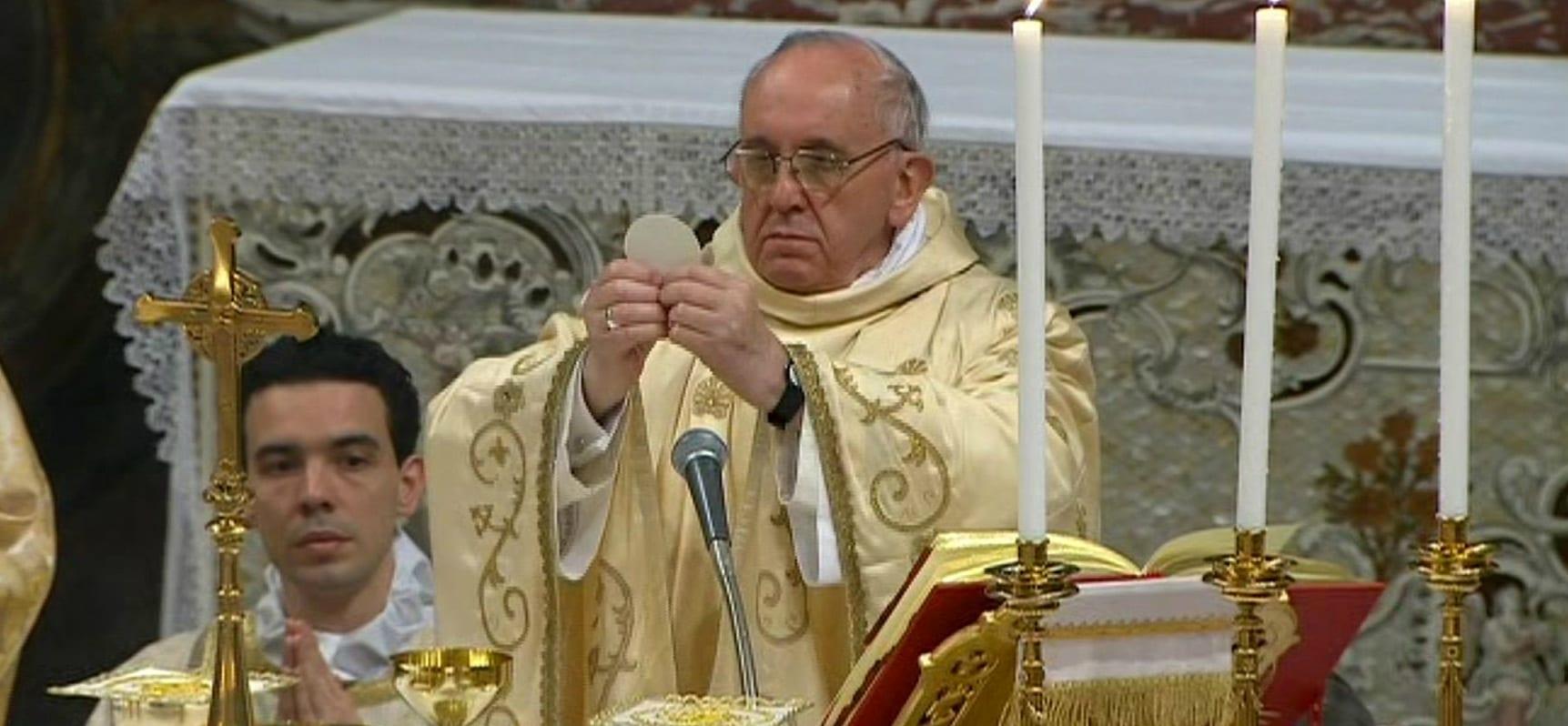understanding the mass real presence priest people discerning the body comprendere la messa reale presenza sacerdote persone capire il corpo