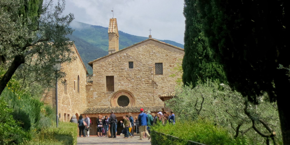 Saint St Francis Assisi st. clare claire san damiano chapel courtyard cloister catholic pilgrimage